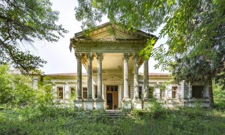 Raj utracony. Pałac Kornickich we wsi Rohacze koło Żytomierza. Wspomnienia młodej Panianki